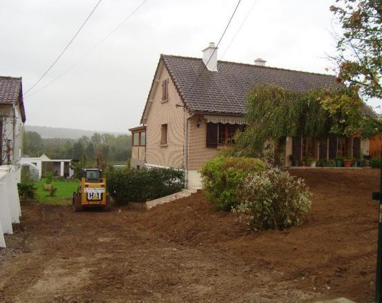 Plantations par votre entreprise d'espace vert